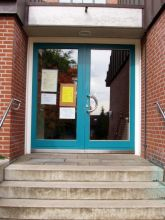 Eingang, die Auferstehungsgemeinde Reppenstedt