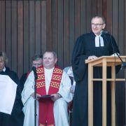 Begrüßung und Leitung Pastor A. Stolze, Vorsitzender der ACK-Lüneburg, Foto M. Hinrichs