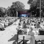 ökumenischer Pfingstmontagsgottesdienst, Konzertmuschel im Lüneburger Kurpark.